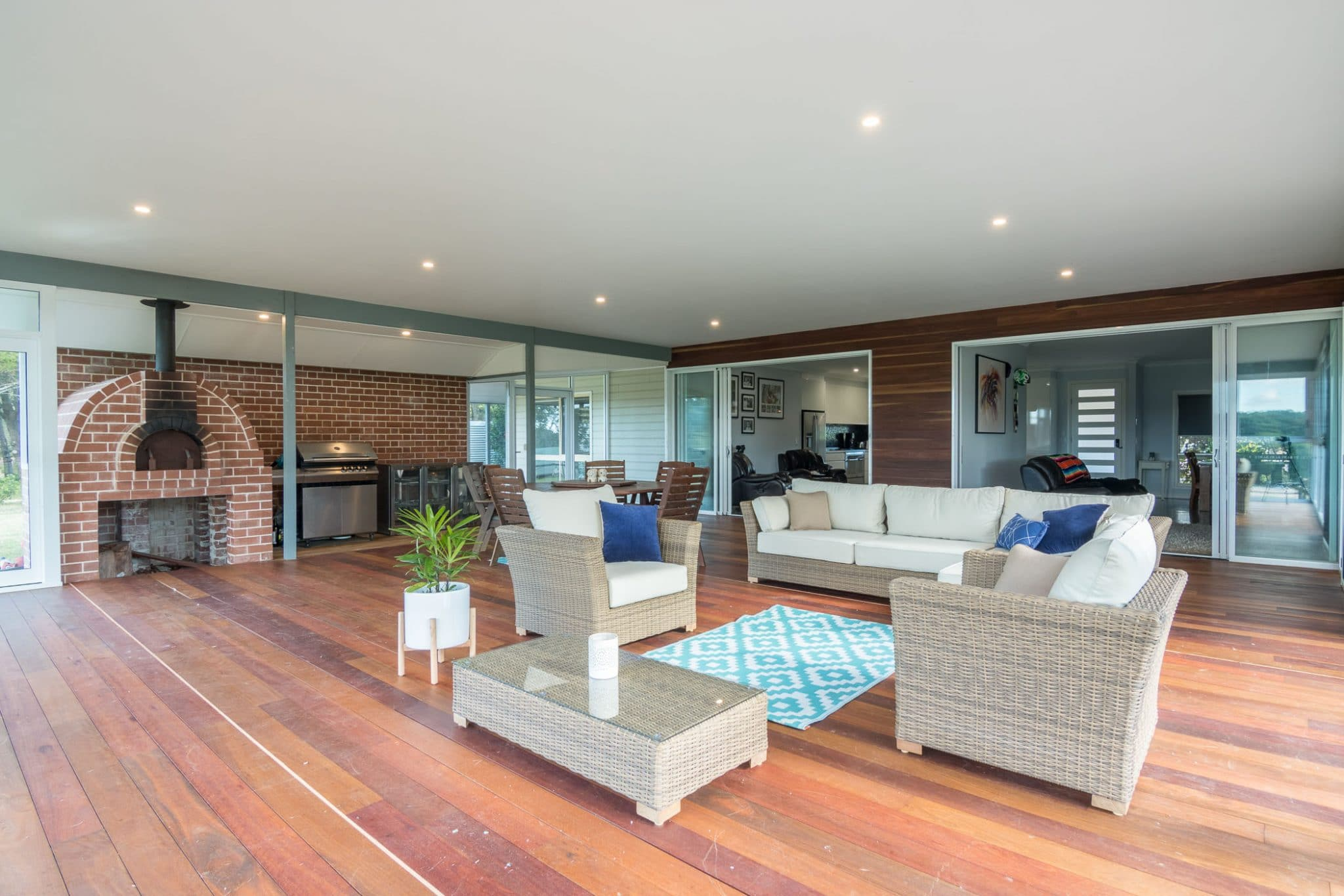 Architectural interiors and exteriors (40 of 140)